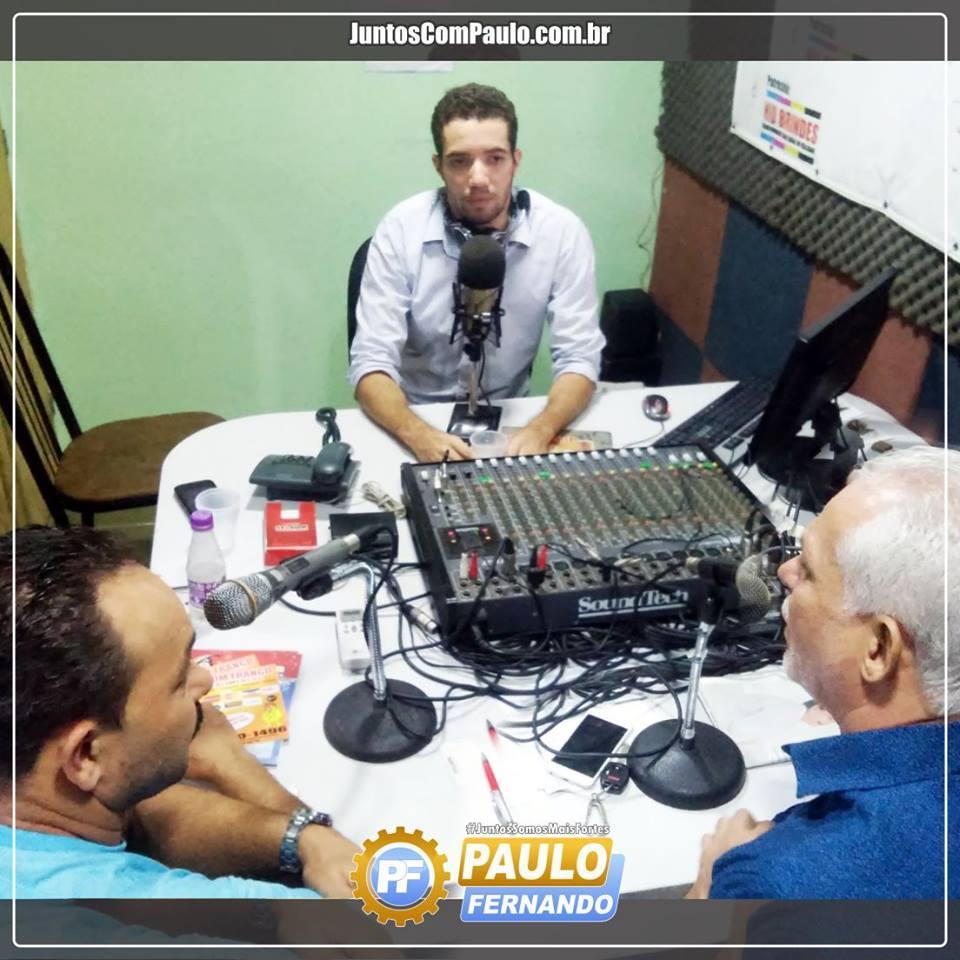 Paulo Fernando afrente do Programa Momento Político