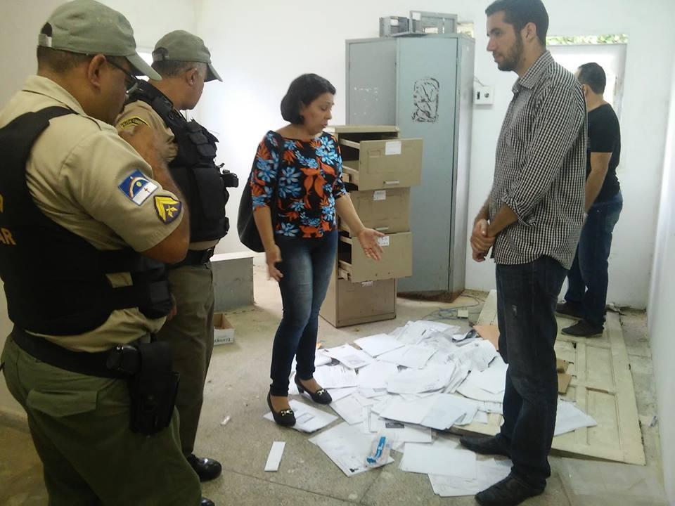Paulo Fernando denuncia prefeitura por descaso